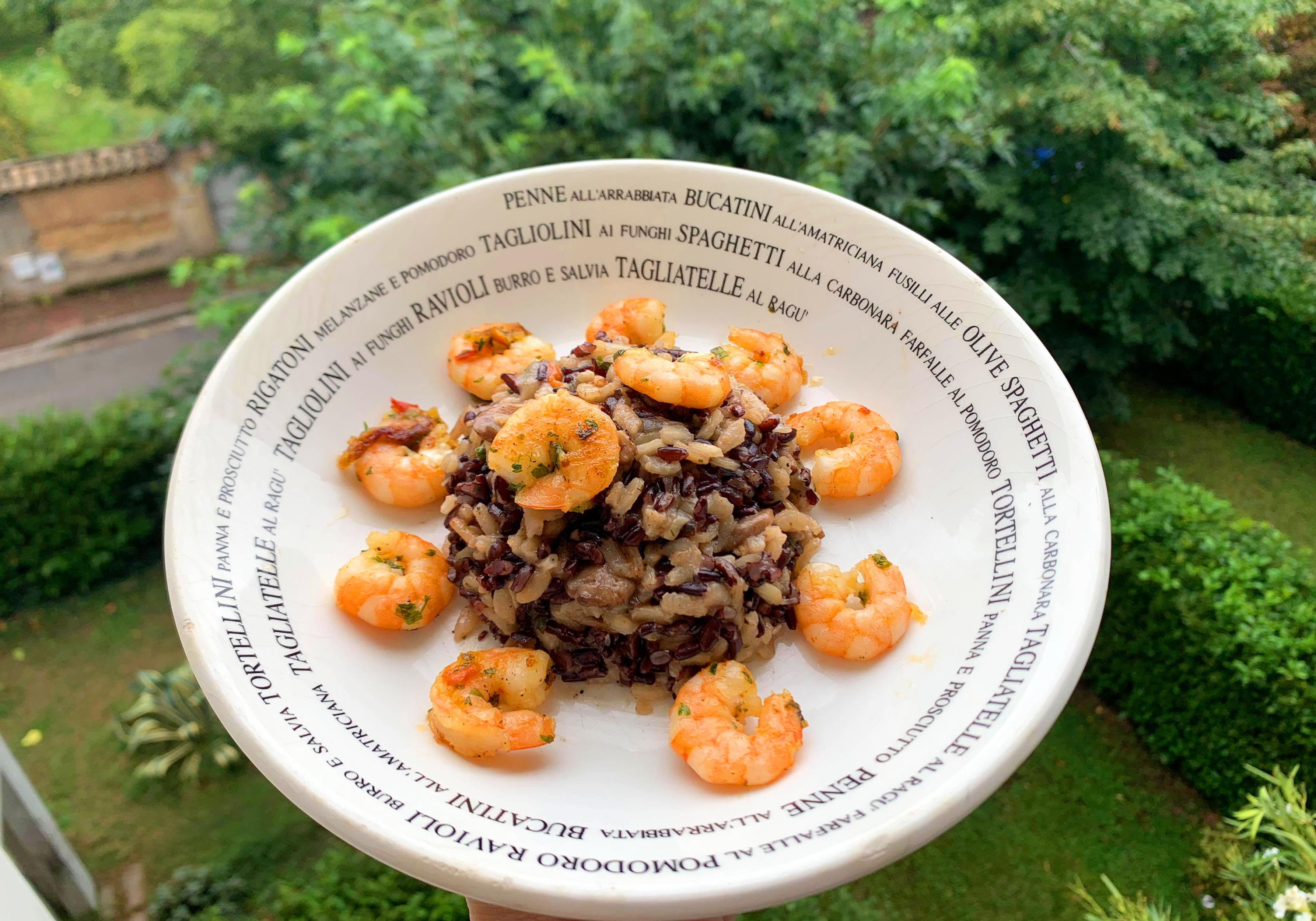 Risotto de crevettes au riz noir et sa sauce champignons